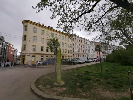 NEU SANIERTE 3 Zimmer mit brandneuer Küche und hofesitiger Loggia in Ruhelage + optionaler Garagenstellplatz!