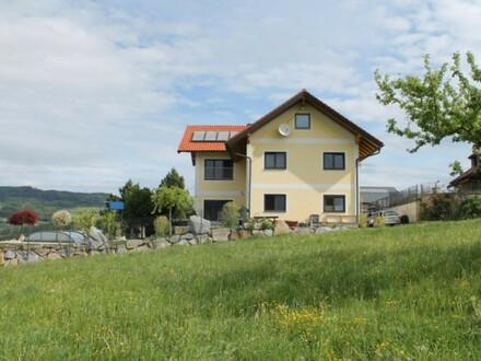 Lage, Lage, Lage! 2-Familien-Haus mit unverbaubaren Blick auf das Alpenvorland