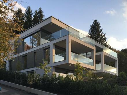 Velden-Wörthersee/AUEN: AB SOFORT zu mieten AUEN VILLEN -Maisonettewohnung mit direktem Poolzugang und Seeblick