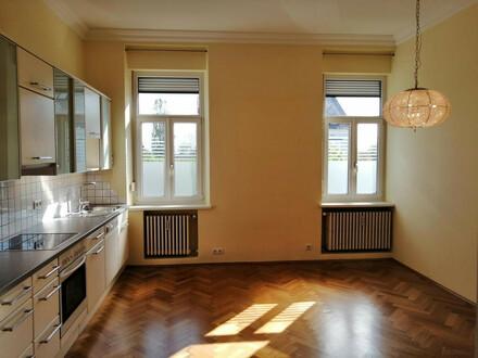RESERVIERT - Traumhafte Wohnung im Altbaustil, perfekte Stadtlage
