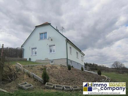 Teilsaniertes Haus mit Stallung in schöner Aussichtslage