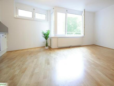 Nähe Schlossquadrat - 2 Zimmer ca. 52m² 1. OG Bruttomiete inkl Heizung und WW € 849,46) Top 17