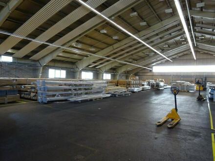 Mehrzweckhalle in einem Grazer Büro- & Logistikcenter - 2.013 m² groß, in zentraler Lage - 1. Monat mietfrei
