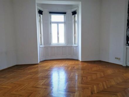 ALTBAULIEBHABER WILLKOMMEN : 2 ZIMMER mit separater Küche im hlheren Stock ohne Lift ab sofort zur Vermietung!
