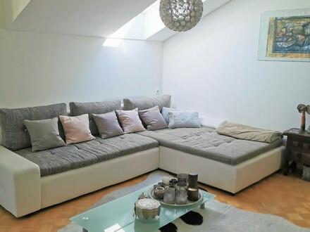 3-Zi.-Dachgeschoss-Wohnung mit Wintergarten