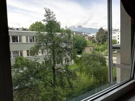Kliniknähe/ Zentrum: Möblierte große 2,5-Zimmer-Wohnung mit TG-Platz!