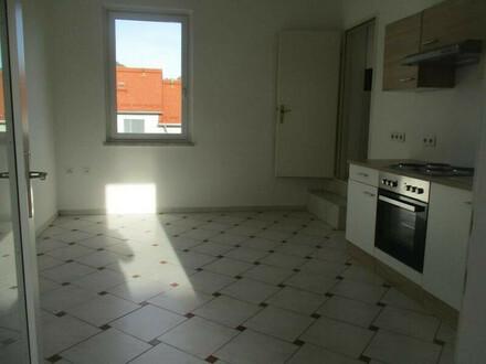 Zentrale 3-Zimmer-Wohnung mit Dachterrasse in Bruck/Mur !