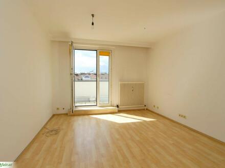 Sonnige 2,5 Zimmer m. großer Terrasse DG-Wohnung nahe Albertplatz