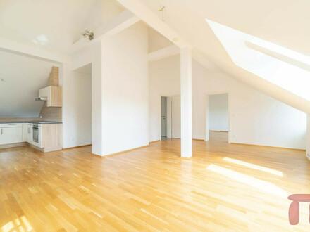 Helle und Loft ähnliche Dachgeschoßwohnung in Villach-Lind