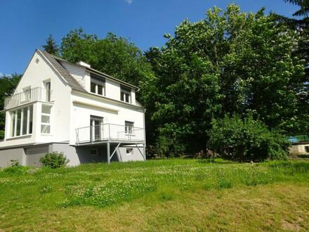 Erstbezug nach Sanierung - Wunderschönes Einfamilienhaus mit 5 Zimmern und großzügigem Garten nach Süd-Westen ausgerichtet