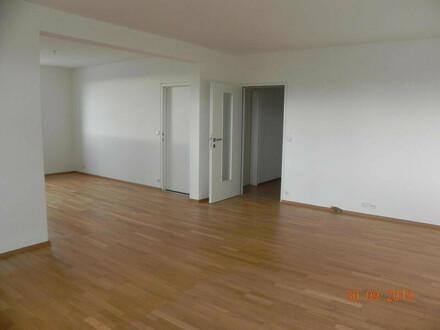 großzügige 3-Zimmer-Eigentumswohnung mit Loggia