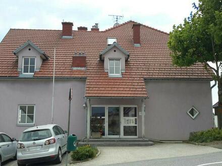 Bad Traunstein. Geförderte 3 Zimmer Mietwohnung | Balkon.