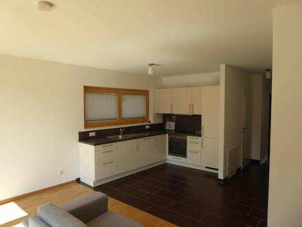 Wohnen in Lainzer Grünruhelage: 2 Zimer Dachterrassenwohnunug mit. 29 m2 Freifläche !