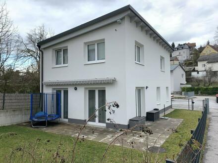 Miethaus/Reihenhaus mit Garten in ruhiger Lage in Amstetten!