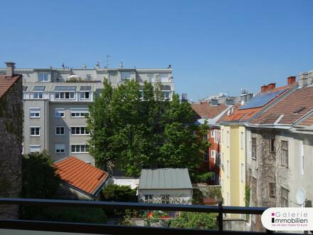 Sehr schöne, möblierte 5-Zimmer-Wohnung mit Loggia in begrünten Innenhof!