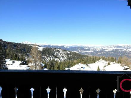 Reizendes ski-in ski-out Apartment im urigen, alpinen Wohnstil mit großer Loggia