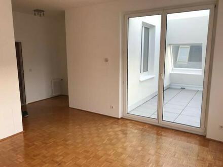 Moderne, helle 2-Zimmer-Wohnung, Terrasse, Grünblick, U4 in Gehnähe
