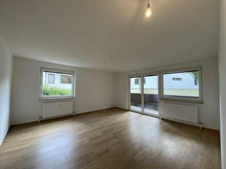 Nonntal: Frisch renovierte 4-Zimmer-Wohnung mit West-Loggia - auch als Praxis oder Büro geeignet!