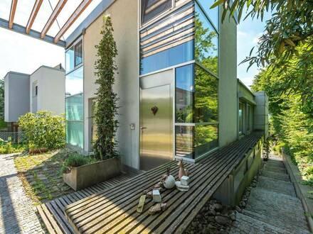 exklusiv, modern und lichtdurchflutet: Architektenhaus in absoluter Ruhelage
