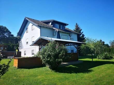 Traumhaus in Sonnen- und Ruhelage mit Garten und viel Grund in der Weinidylle, Pferdehaltung erlaubt.