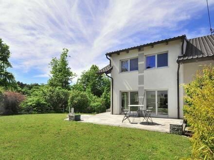 Wunderschönes Einfamilienhaus mit Keller u. Doppelgarage zum sofortigen Einzug in Christkindl!