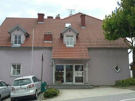 Bad Traunstein. Geförderte 1 Zimmer Mietwohnung   Balkon.