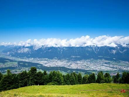 Gepflegtes 4-Sterne Hotel im Innsbrucker Umland mit großem Grundstück zu verkaufen