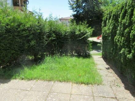 Großzügige 3-Zimmerwohnung mit kleinem Garten in Attnang-Puchheim! Privater Parkplatz und Keller inklusive! Keine Makle…