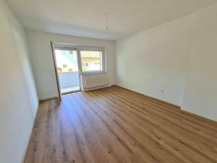 Neu renovierte Top - Wohnung mit Balkon in Pasching!!