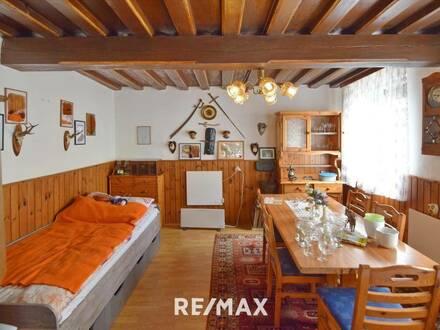 Nettes Haus - 4 Zimmer - Innenhof in ruhiger Lage