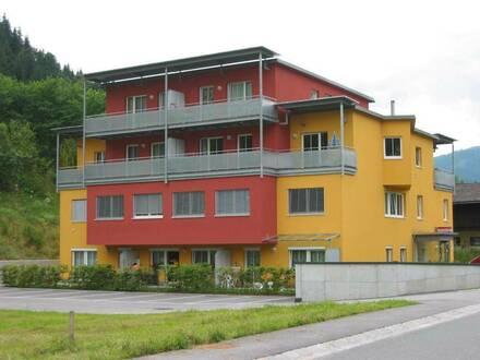Gemütliche, geförderte 2-Zimmerwohnung mit Loggia und Tiefgaragenplatz in Eben! Mit hoher Wohnbeihilfe