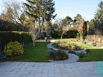 Luxus im Familienhaus mit sonnigem, großen Traumgarten!