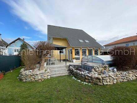 4025 - Einfamilienhaus mit Pool
