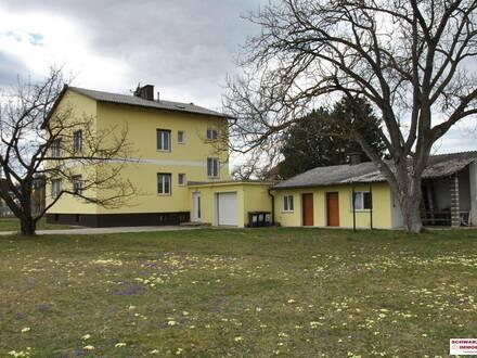 Haus mit 2 modernen Wohnungen, Garten und Nebengebäude in Bad Erlach zu vermieten!