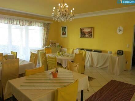 Kamptal: Attraktive, betriebsbereite Frühstückspension mit großzügiger Wohnung