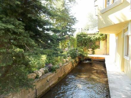 Schöne 3 Zimmer Wohnung mit Balkon in historischem Ensemble - Wohnen wie im Urlaub