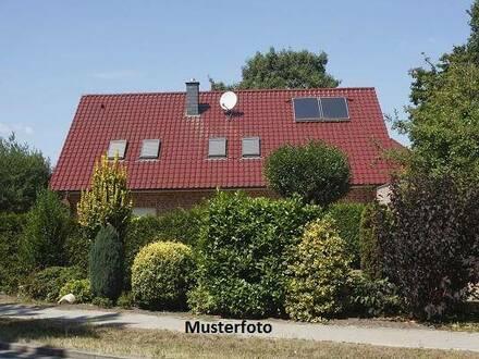 +++ 2-Familienhaus mit Carport für 3 Stellplätze +++