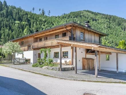 Modernes Einfamilienhaus im Landhausstil mit Einliegerwohnung, Natur-Schwimmteich und Wintergarten