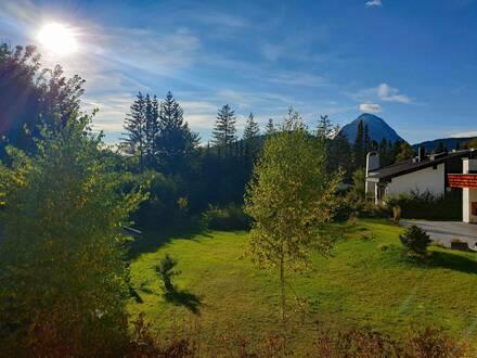 Helle Ferienwohnung mit Garten und Bergblick