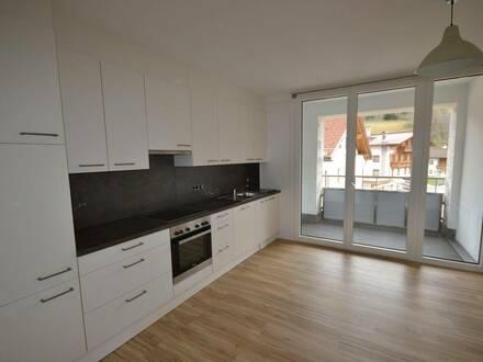 Total sanierte, helle Wohnung mit Loggia in Weer