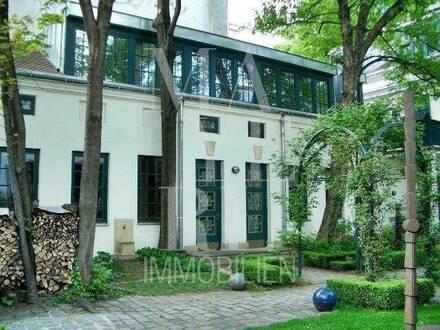 schönes Stadthaus mit kleinem Garten und Garage