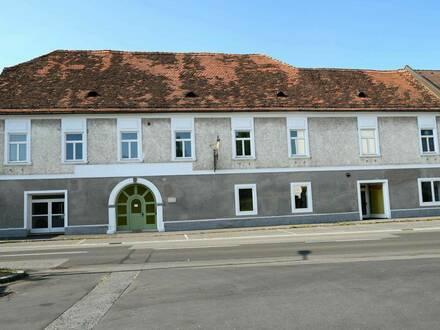 Stilvolles Bürgerhaus mit Grundstück im Innenhof