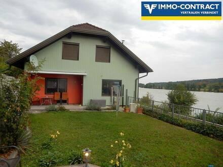 <b>Mietwohnhaus für zwei Familien mit Donaublick!</b>