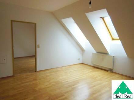 Reizende Dachgeschoss-Wohnung Nähe Ortszentrum