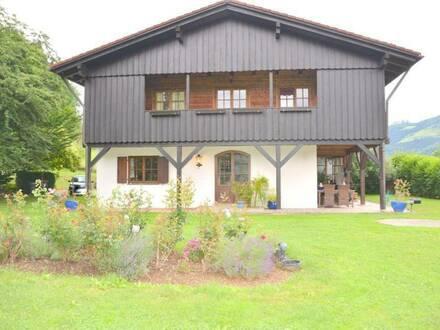 Übelbach! Luxuslandhaus im Oberbayrischen Baustil - 2 Wohneinheiten! (ca. 144 m² & ca. 460 m²)