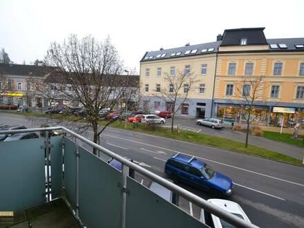 2 Zimmer -Wohnung, Küche, Schrankraum, südseitiger Balkon im Zentrum von Bad Vöslau
