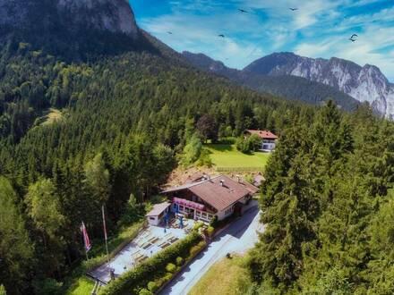 """Beliebtes Ausflugsziel """"Gasthaus Rodelhütte"""" mit Eigentümerwohnung"""