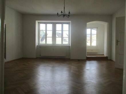 Geräumige 3-Zimmer-Altbauwohnung mit Küchenblock in Krieglach !