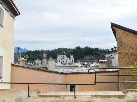 Liebevoll modernisiertes Altstadthaus am Kapuzinerberg samt Parkplatz