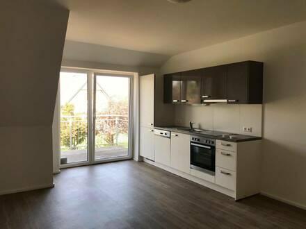 Frauental: Moderne, individuell geschnittene Wohnung mit Balkon in zentrumsnaher Lage